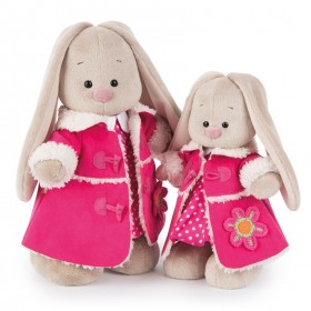 Зайка Ми в платье и розовой дубленке