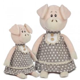 Свинка Ниночка в платье